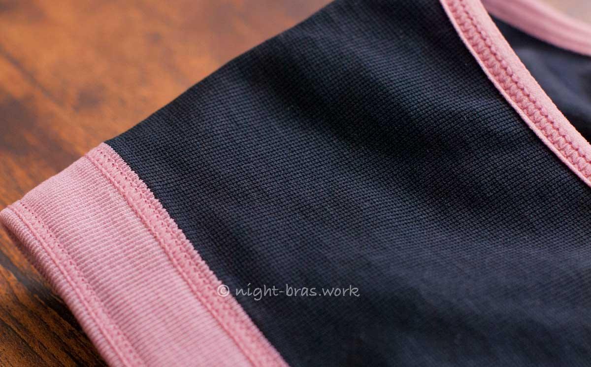 モテフィットの縫い目と生地アップ写真